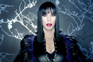 Kelly Mantle 3