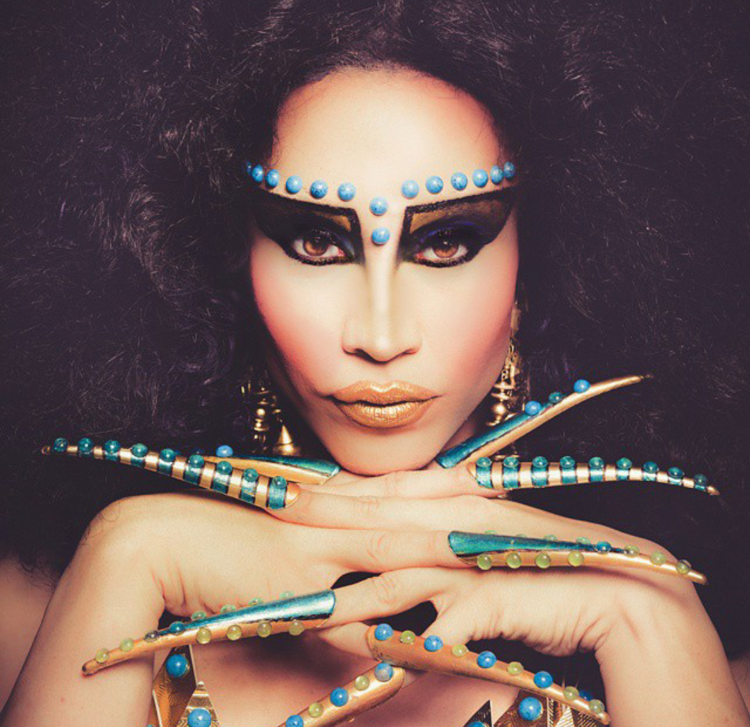 Phiphiohara Serves Queen Cleopatra